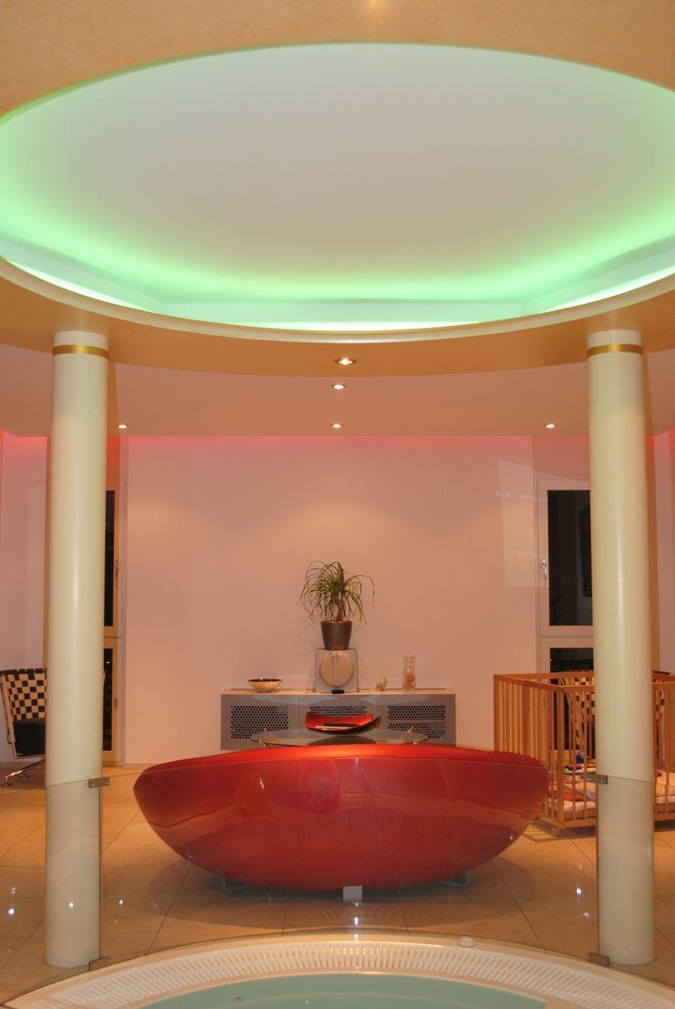 Haus Brun, Reidermoos Brun & Mahler GmbH Moderne Wohnzimmer