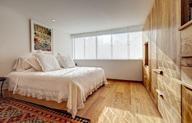 Departamento Polanco 1 Lopez Duplan Arquitectos Dormitorios modernos: Ideas, imágenes y decoración