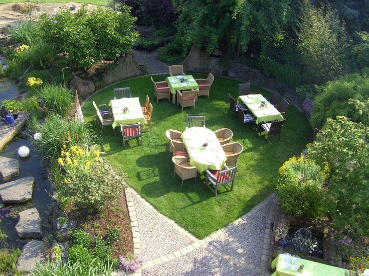 Gäste im Garten Gärten für Auge und Seele Mediterraner Garten