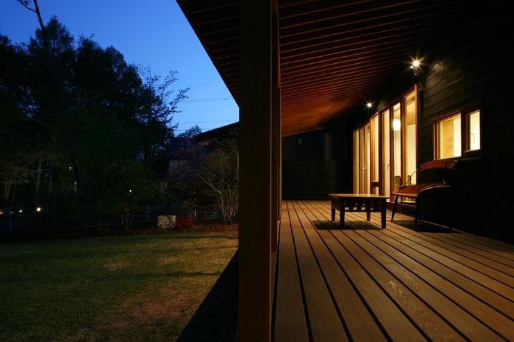 テラス 一級建築士事務所 アトリエ カムイ オリジナルデザインの テラス