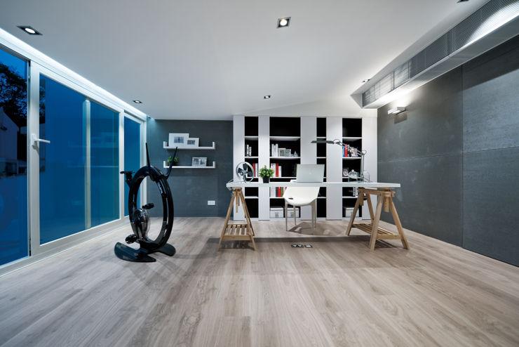 Millimeter Interior Design Limited Oficinas de estilo moderno