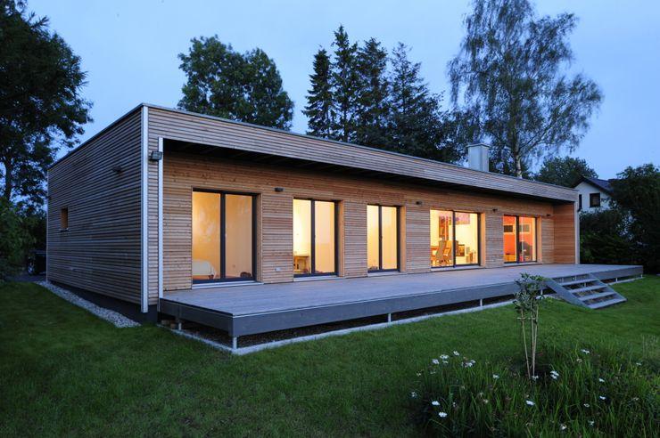 Außenaufnahme bei Dämmerung Bau-Fritz GmbH & Co. KG Moderne Häuser