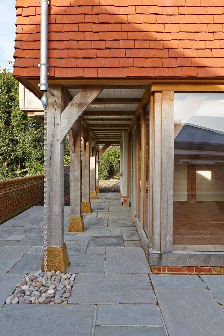Stable Cottage Adam Coupe Photography Limited Balcones y terrazas de estilo rural
