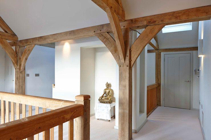 Stable Cottage Adam Coupe Photography Limited Pasillos, vestíbulos y escaleras de estilo rural
