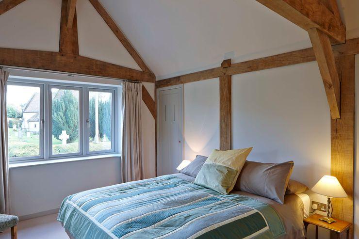 Stable Cottage Adam Coupe Photography Limited Dormitorios de estilo rural