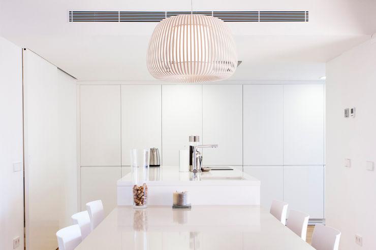 RM arquitectura Scandinavian style kitchen