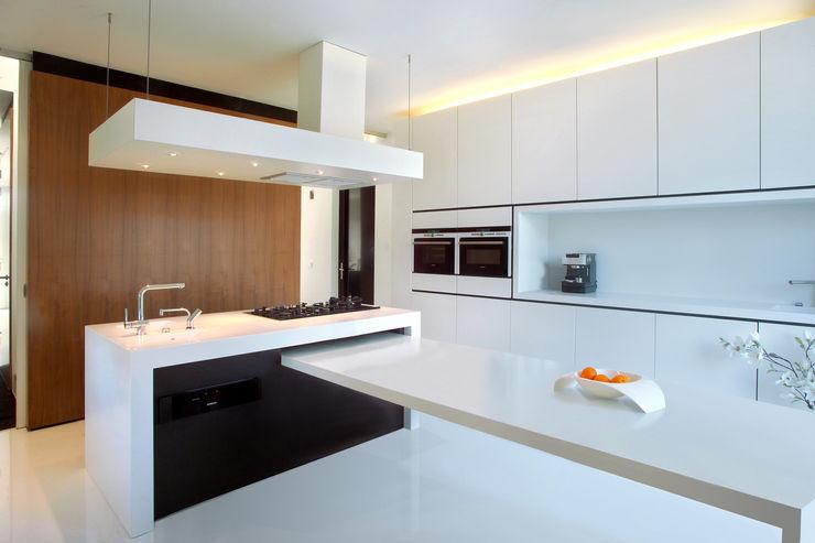 123DV Moderne Villa's Modern kitchen
