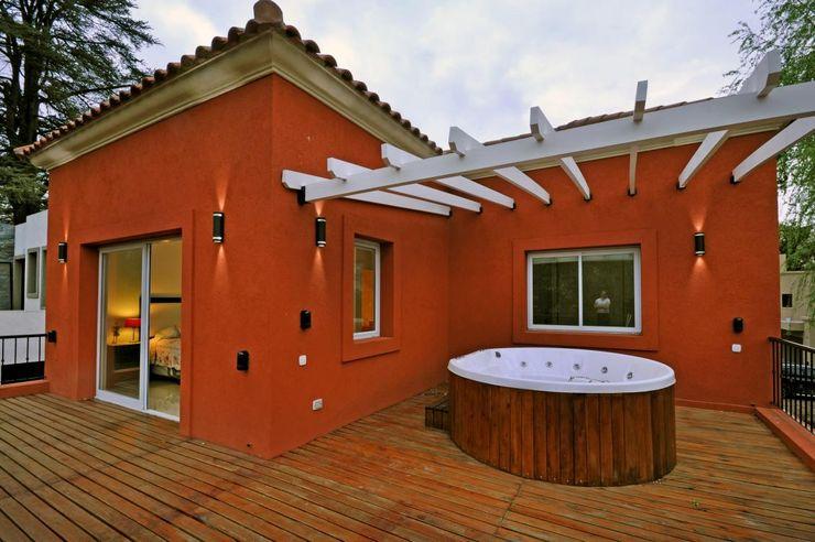 CASA AP - BARRIO PRIVADO LA MORADA - BELLA VISTA Desarrollos Proyecta Casas clásicas