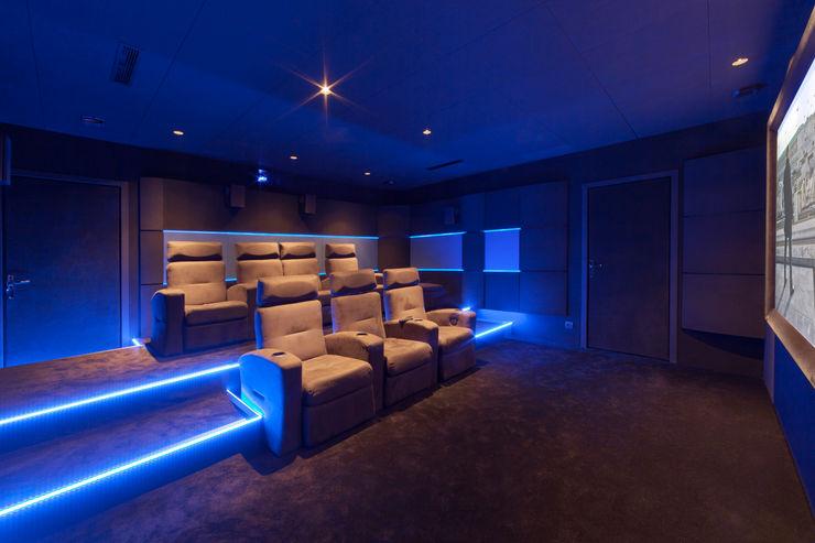 Dynamic Home Cinéma Медіа-залЕлектроніка