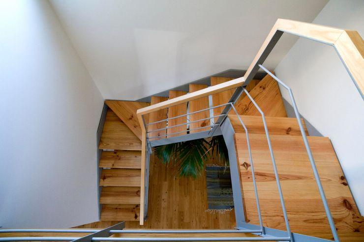 Quinta H   eco-renovation   Madeira Mayer & Selders Arquitectura Коридор