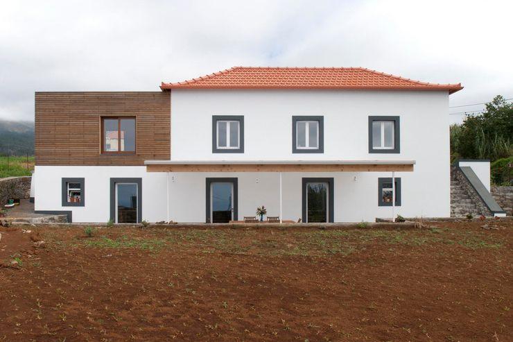 Quinta H   eco-renovation   Madeira Mayer & Selders Arquitectura Будинки