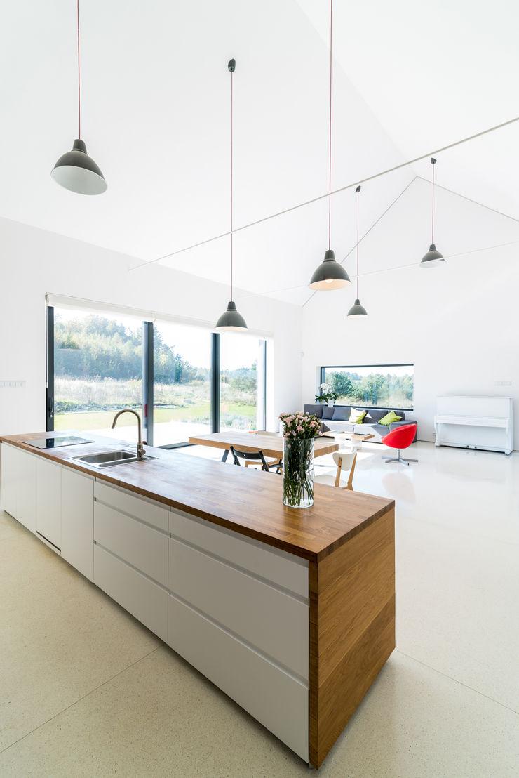KROPKA STUDIO'S PROJECT Kropka Studio Modern kitchen