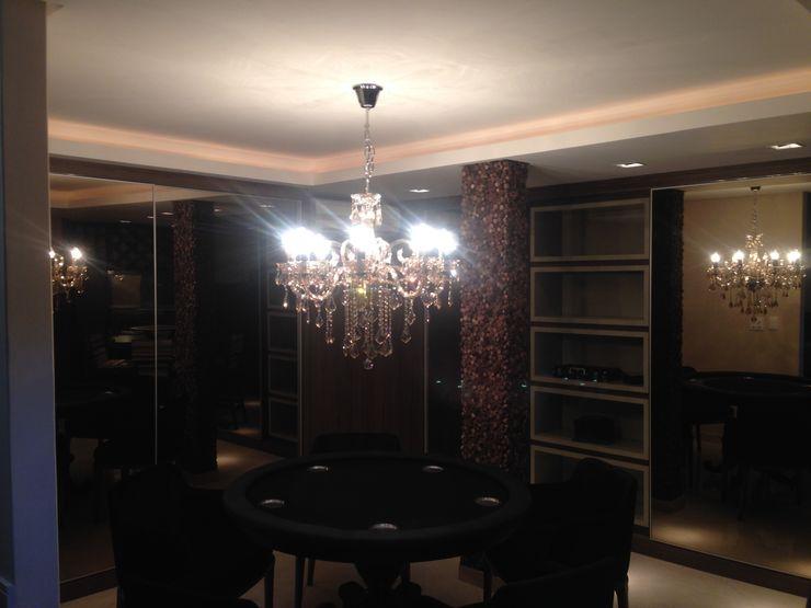 Aline Silva Arquitetura Eclectic style wine cellar