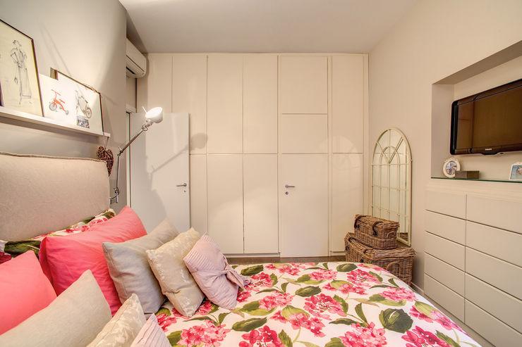 COVIELLO MOB ARCHITECTS Camera da letto moderna