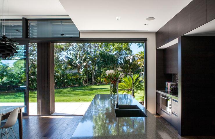 Godden Cres Dorrington Atcheson Architects Modern kitchen