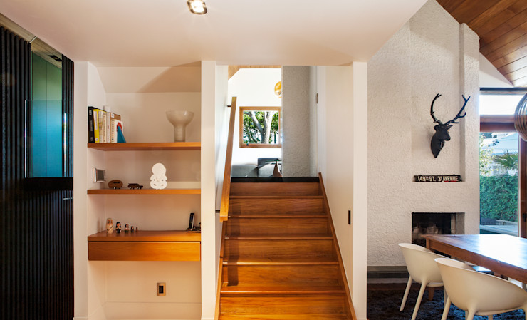 Marine Parade Dorrington Atcheson Architects Modern corridor, hallway & stairs