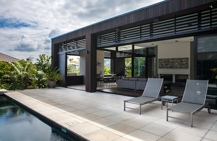 Godden Cres Dorrington Atcheson Architects Modern balcony, veranda & terrace