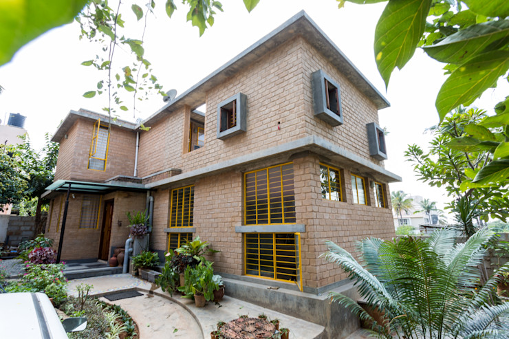 residence for Artists Biome Environmental Solutions Limited Casas de estilo asiático
