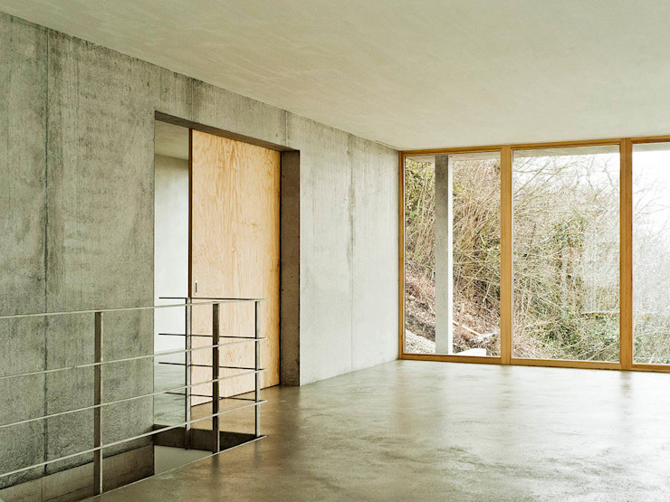 Wohnhaus am Hang, Wyhlen GIAN SALIS ARCHITEKT Moderner Flur, Diele & Treppenhaus