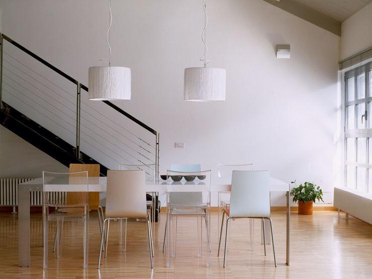 Loft Bianco - Paola Maré Interior Designer Paola Maré Interior Designer Sala da pranzo in stile industriale