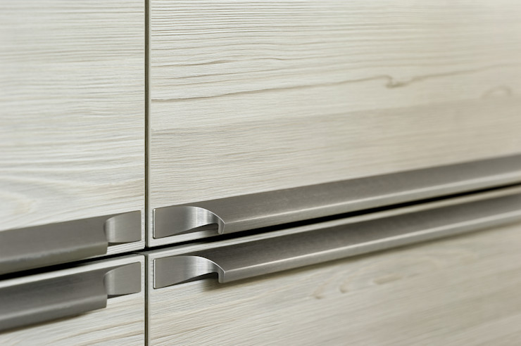The quality is in the details, extreme attention is paid to every edge. fit Kitchens KitchenAccessories & textiles