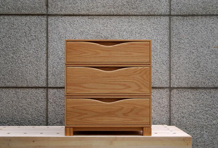 Woodstudio MAUM Vestidores y closetsArmarios y cómodas