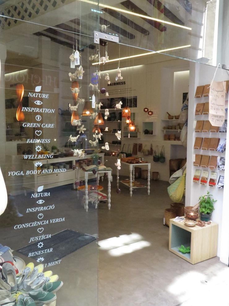 home on earth shop – Calle Boqueria, 14 en Barcelona home on earth Espacios comerciales de estilo escandinavo