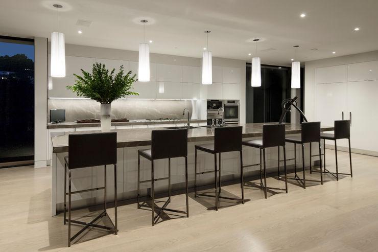 SUNSET STRIP RESIDENCE McClean Design Modern kitchen