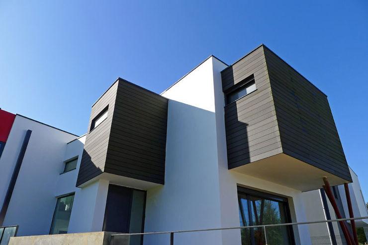 Vivienda en Fornos AD+ arquitectura Casas unifamilares Blanco