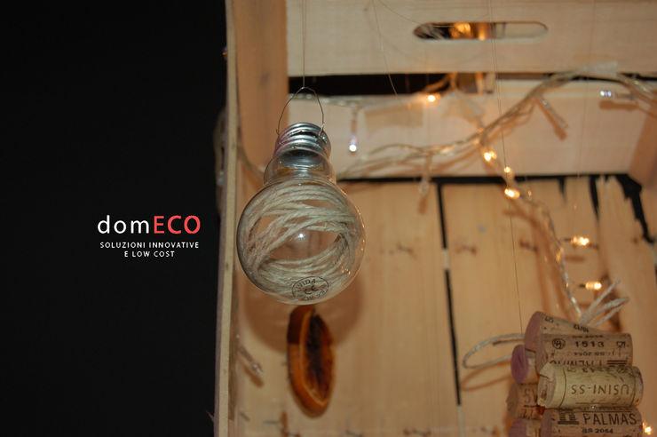 Low- Cost Christmas DomECO 藝術品照片與畫作