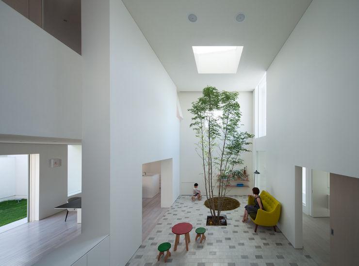 obi house ソルト建築設計事務所 モダンデザインの リビング