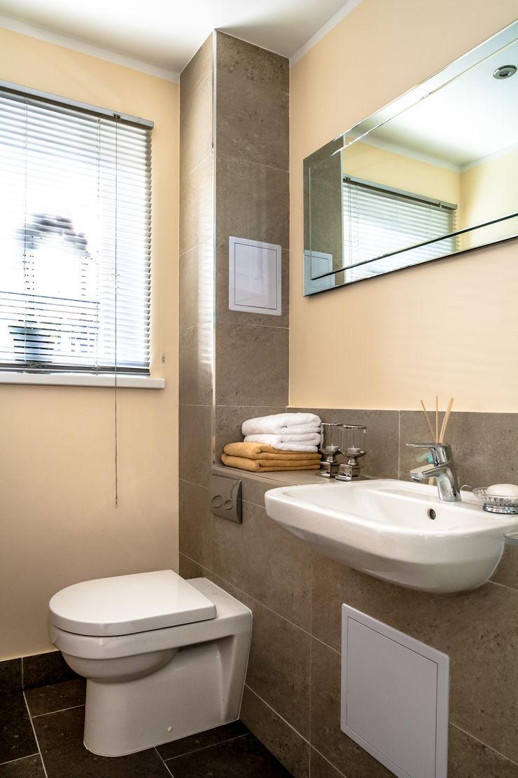 Shower room Lujansphotography Modern Bathroom