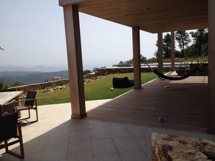 Tuin met veranda TenBrasWestinga ARCHITECTUUR / INTERIEUR en STEDENBOUW Mediterrane balkons, veranda's en terrassen