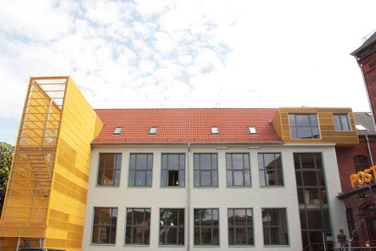 Cubus Projekt GmbH Эклектичный