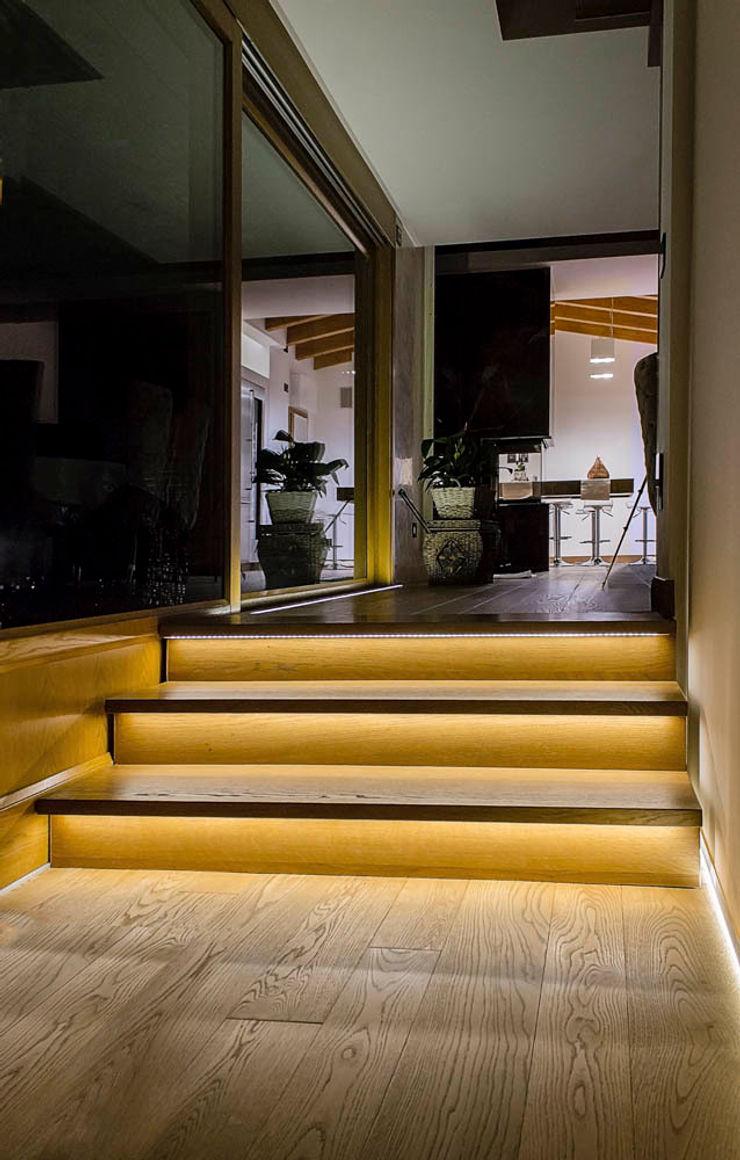 Villa Luisa Matteo Gattoni - Architetto Pareti & Pavimenti in stile moderno