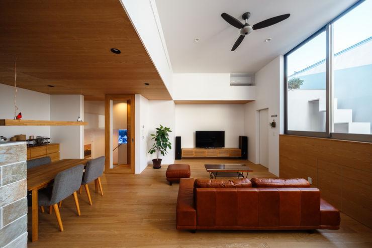 haus-wave 一級建築士事務所haus 北欧デザインの リビング