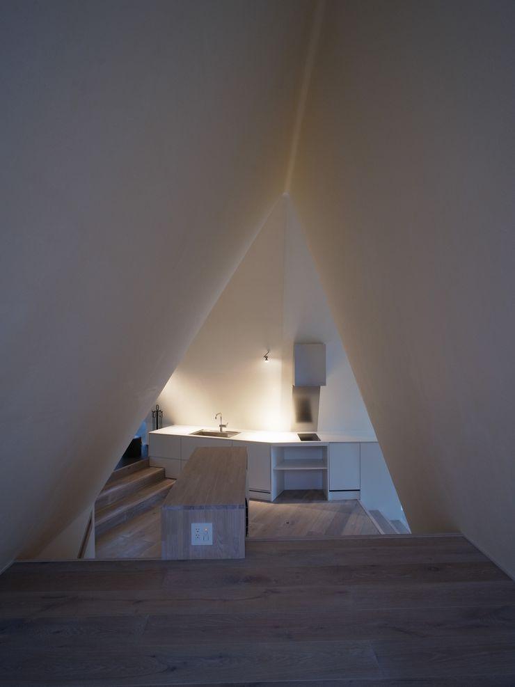 Forest House カスヤアーキテクツオフィス(KAO) Modern Kitchen