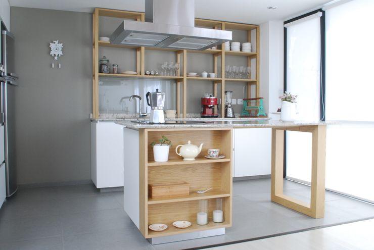 Cocina AVA // madera natural // termoformado Muebles muc. HogarDecoración y accesorios