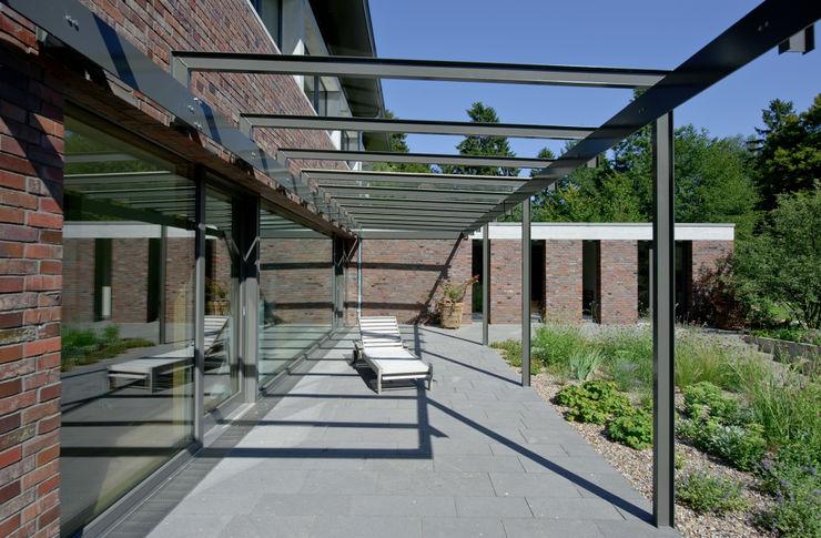 Möhring Architekten Balcones y terrazas modernos