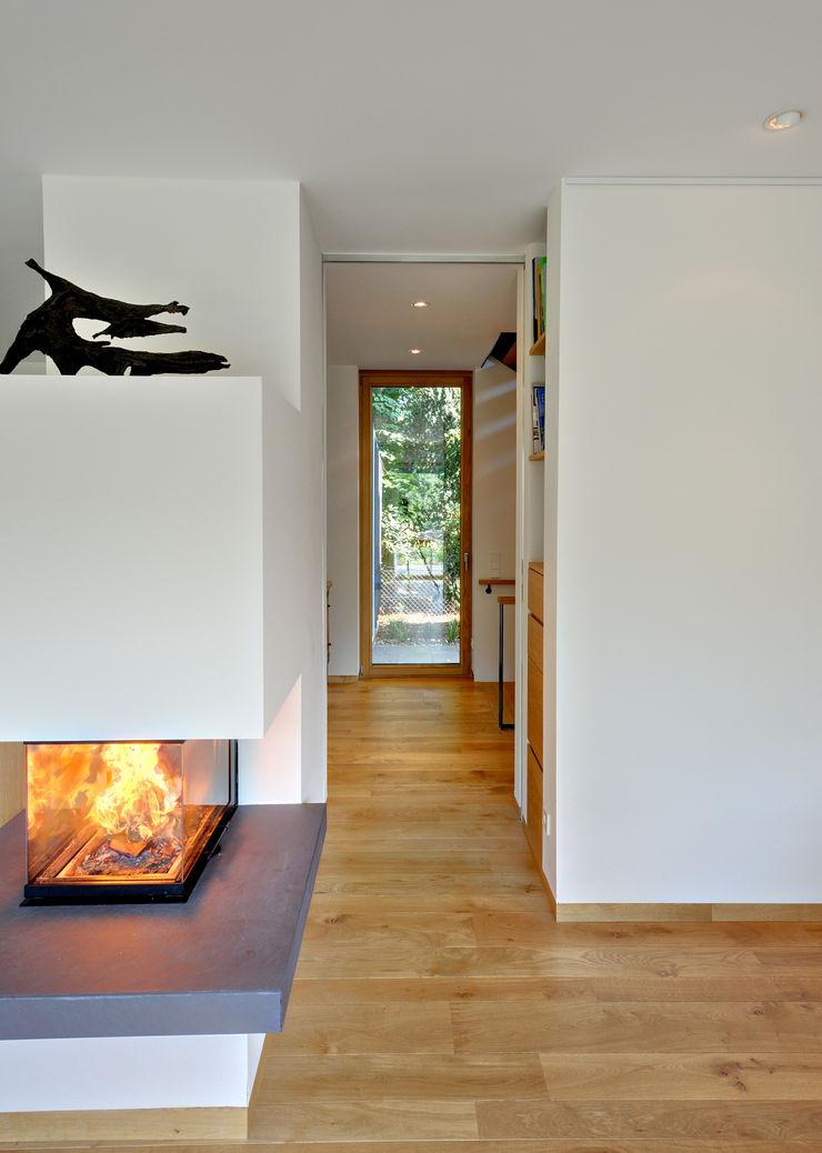 Möhring Architekten Pasillos, vestíbulos y escaleras modernos