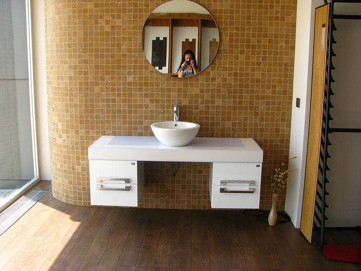 MUNGAN INTERIOR DESIGN BathroomSinks