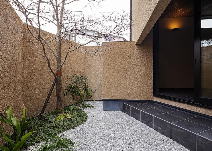 野間の家 傳寶慶子建築研究所 オリジナルな 庭
