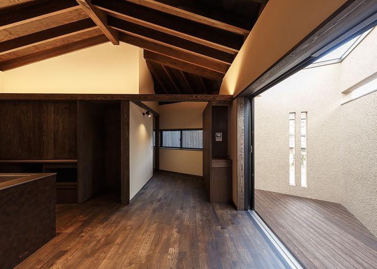 野間の家 傳寶慶子建築研究所 オリジナルデザインの ダイニング