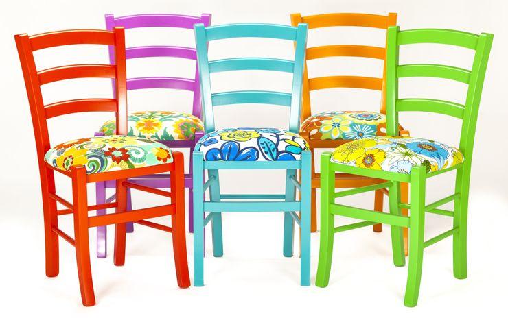 Le sedie della tradizione diventano oggetti di design Plinca Home Hotel in stile eclettico