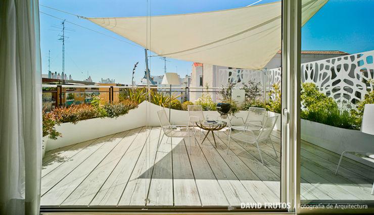Manuel Ocaña Architecture and Thought Production Office Balcones y terrazas de estilo escandinavo