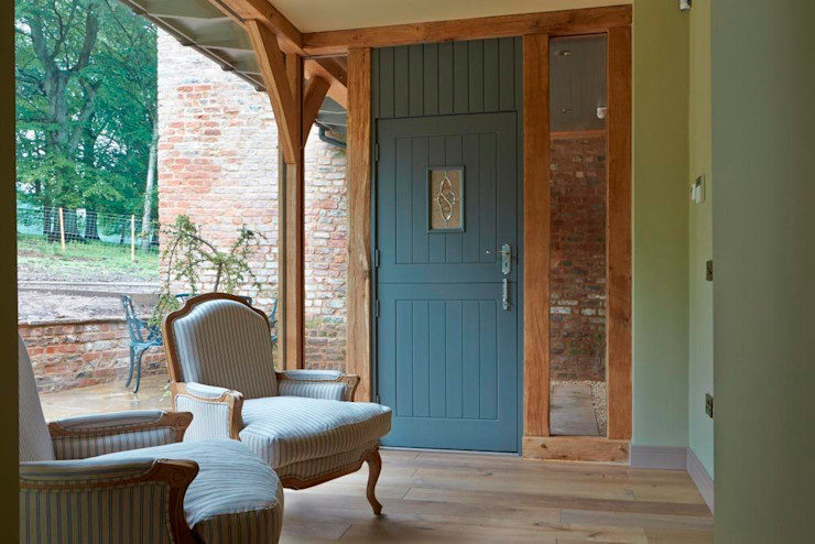 Entrance Porch / Green Oak Architects Scotland Ltd Country style corridor, hallway& stairs