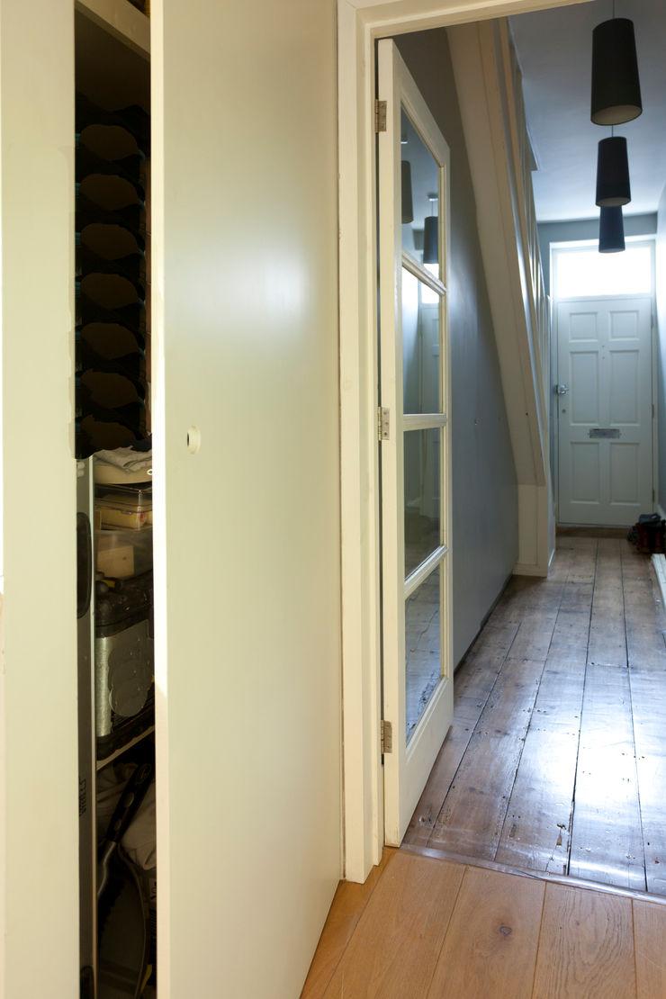 Kitchen remodelling in South Bristol Dittrich Hudson Vasetti Architects Modern corridor, hallway & stairs