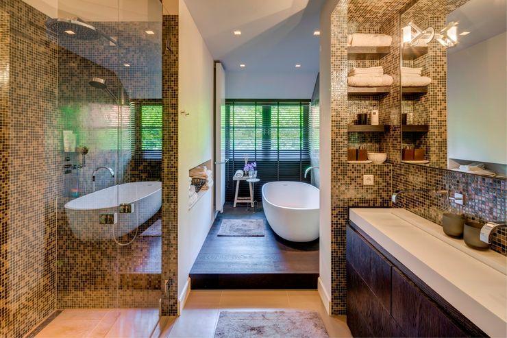 Kabaz Modern bathroom
