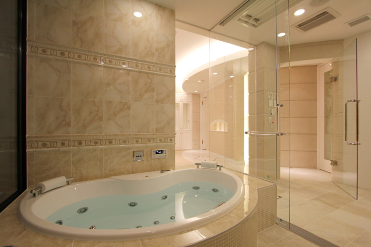 CASA CIELO Y MAR 菅原浩太建築設計事務所 地中海スタイルの お風呂・バスルーム