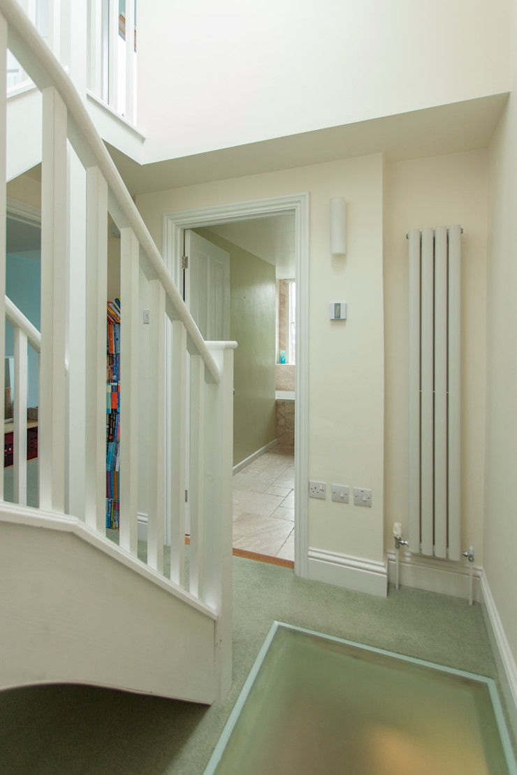 Double storey extension for artist in Bishopston, Bristol Dittrich Hudson Vasetti Architects Коридор